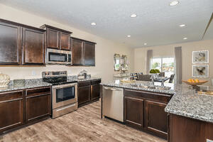 6080 N Cedarwood Dr-print-010-19-Kitchen-3934x2626-300dpi